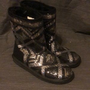 Justice Black/Silver Sequin Boots Faux Fur Lined 4